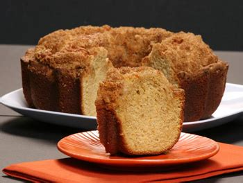 Boston coffee cake is the premiere bakery to buy coffee cakes online. Boston Coffee Cake - 1.5 lbs   Munroe Dairy, grocery home delivery
