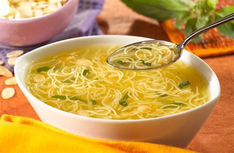 recette bouillon de pate soupe de vermicelles au basilic panzanifoodservice panzanifoodservice