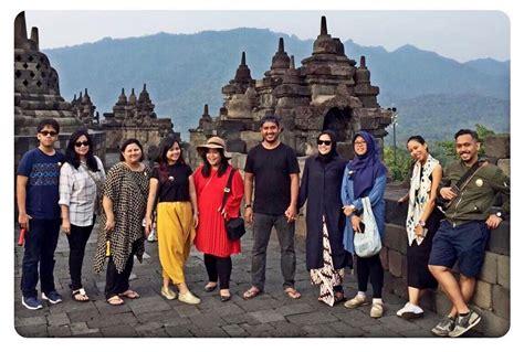 10 Potret Mesra Dewi Sandra Dan Suami Yang Jarang Terekspos