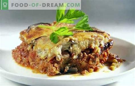Baklažānu kastrolis ar tomātiem un malto gaļu ir garšīga ...