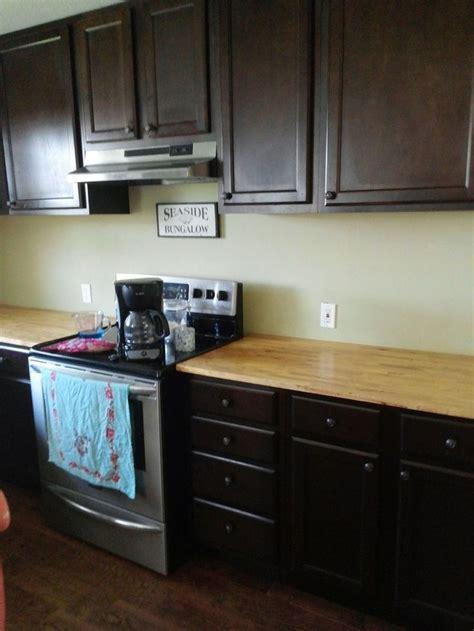 cabinets in kitchen 64 best kitchen backsplash images on 4553