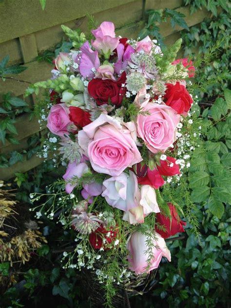 romantischer brautstrauss im fruehling blueten zauber velbert