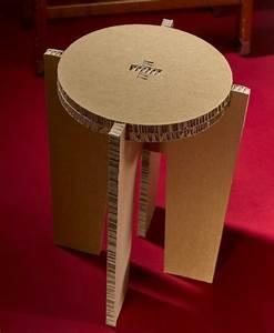 Meuble en carton 60 idees que vous pouvez realiser vous for Comment fabriquer un meuble en carton