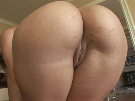 Naked Kirra Lynne In Phat Ass White Booty 3