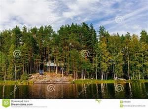 Blockhaus Am See : h lzernes blockhaus am see im sommer in finnland stockbild bild von aufgebaut kabine 90892841 ~ Frokenaadalensverden.com Haus und Dekorationen