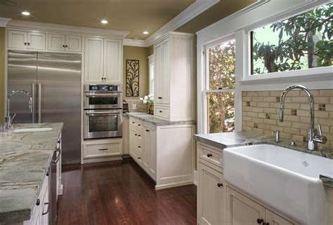 Historic Prairie Kitchen & Mud Room Remodel   IS Architecture