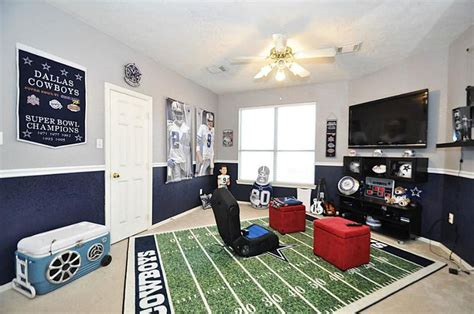 Dallas Cowboys Room Paint Ideas by Dallas Cowboys Gameroom Cha Cha Cheerleading