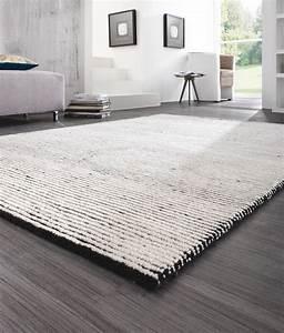 Schwarz Weißer Teppich : pin von xxxlutz mein m belhaus auf b den und teppiche ~ Orissabook.com Haus und Dekorationen