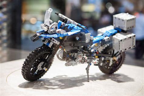 lego bmw motorrad bmw motorrad y lego crean una bmw r 1200 gs adventure