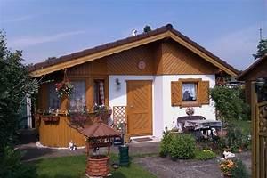 Holz Gartenhaus Winterfest : onyx 2 sch nes und exklusives gartenhaus mit runderker und vorgezogener k che in vollisolierter ~ Whattoseeinmadrid.com Haus und Dekorationen