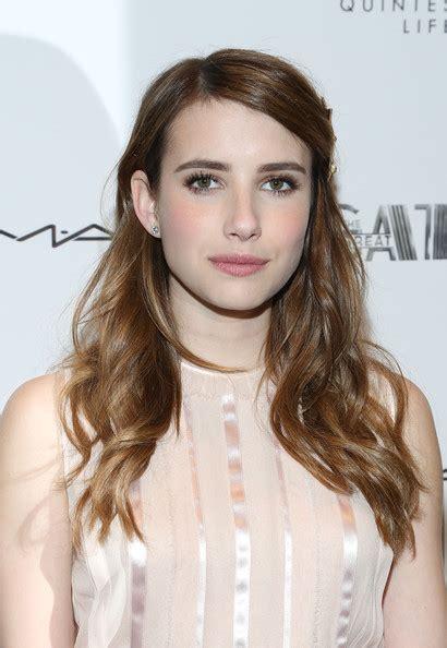 Emma Roberts Long Wavy Cut - Emma Roberts Hair Looks ...