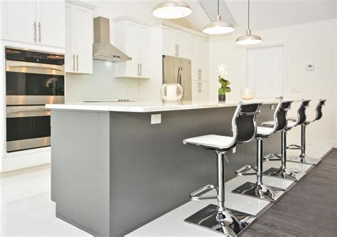 kitchens with backsplash 45 luxurious kitchens with white cabinets guide