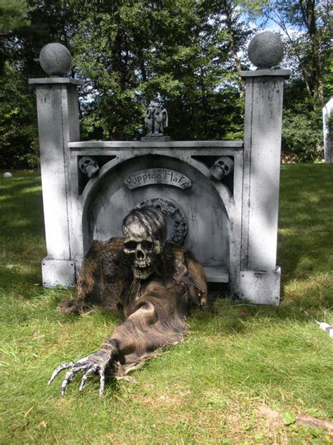 cool yard decorations 25 cool halloween decorations ideas you love magment