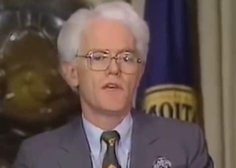 Peter Lynch - Wikipedia