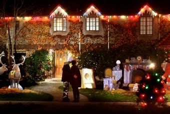 palo alto s christmas tree lane lights up news palo