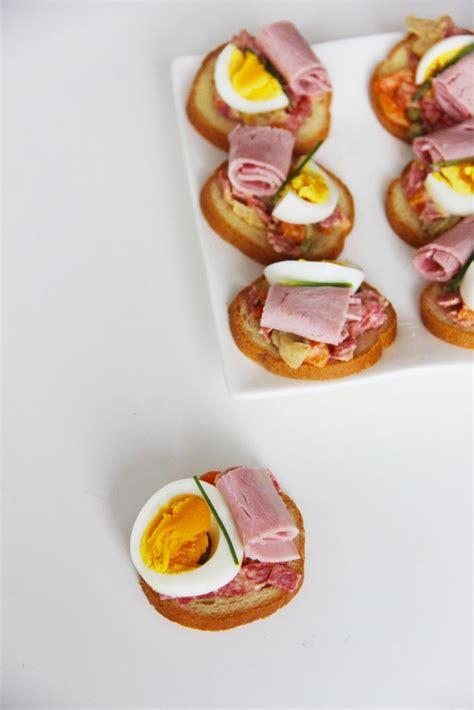 cuisine irlandaise typique spécialité de slovaquie toasts garnis chlebíčky