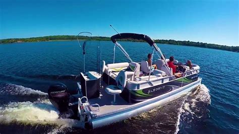 Legend Boats Youtube by 2017 Top Pontoon Boats By Legend Boats Splash Fishtail