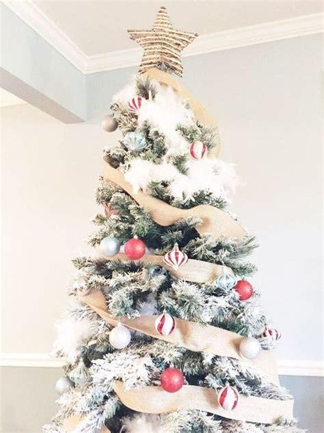 26 best flocked christmas tree d 233 cor ideas digsdigs