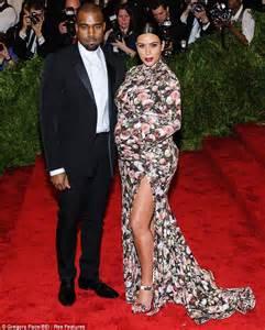 Beyoncé and Kim Kardashian play nice as they pose for ...