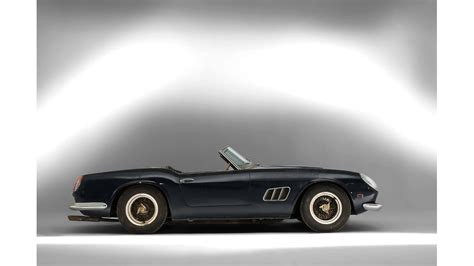 Widely acknowledged as both the most sought after and most beautiful car ever produced, the ferrari california spyder is a testament to what the twentieth century facilitated in terms of engineering and design. Ferrari 250 GT Spyder California SWB: Rekordpreis für ...