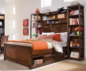 Regal über Bett : praktische l sungen f r ihr zuhause bett mit regal ~ Markanthonyermac.com Haus und Dekorationen