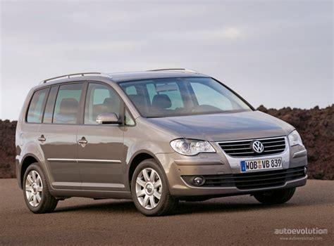 Volkswagen Touran Specs & Photos