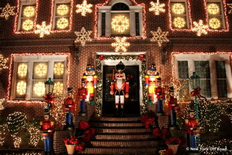 christmas decoration around nyc the elaborate lights of dyker heights