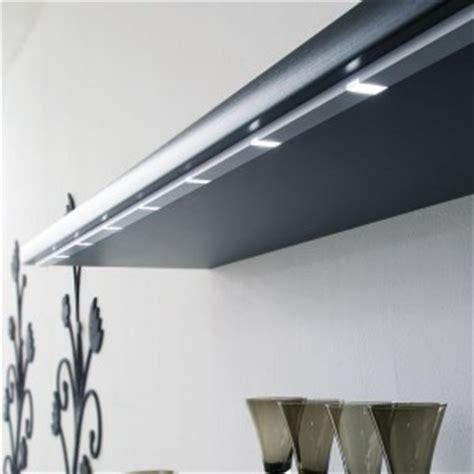 eclairage pour meuble de cuisine eclairage led pour le plan de travail de cuisine