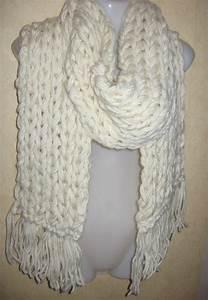 Echarpe Blanche Femme. foulards femme pas cher charpe en soie soldes ... 121ee2c7a24