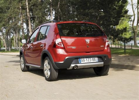 sandero renault stepway the renault sandero stepway hatchback 2013 prices and