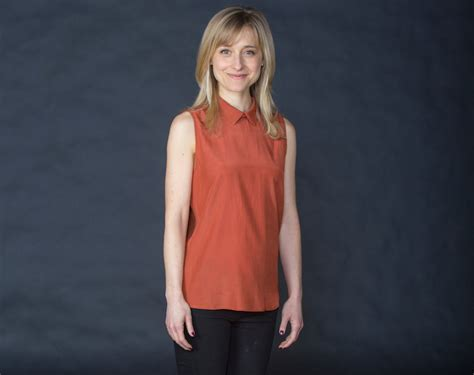images of allison mack actress interview with actress allison mack fine magazine