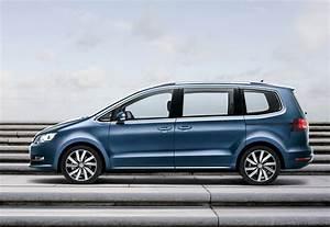 Volkswagen Sharan : volkswagen has updated the sharan minivan for the first time ever social media ~ Gottalentnigeria.com Avis de Voitures