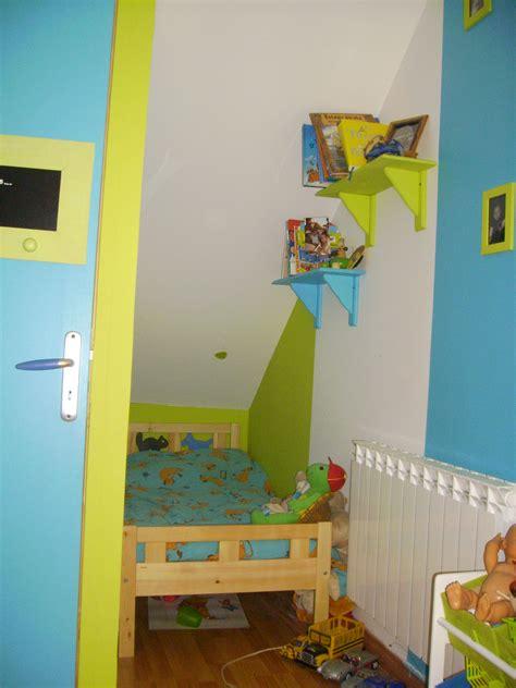 couleur chambre mixte chambre vert anis et marron
