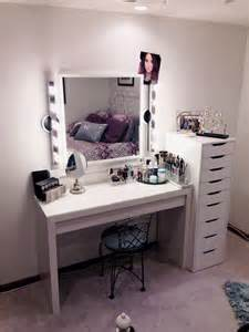 White Vanity Makeup Station by Vanit 233 Table De Maquillage Ikea Maquilleuse Pinterest