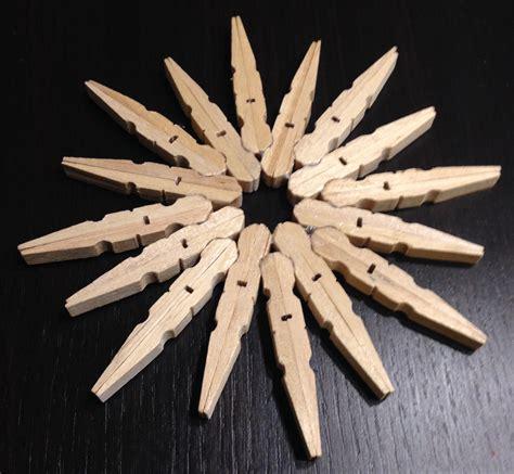 basteln mit holzklammern basteln zu weihnachten mit holz w 228 scheklammern mycrafts