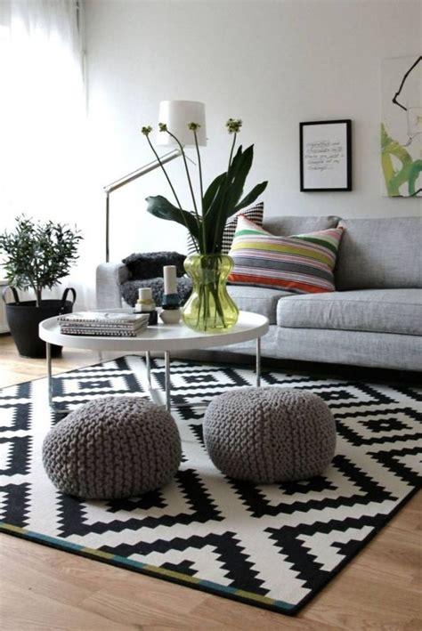 tapis de salon noir  blanc idees de decoration