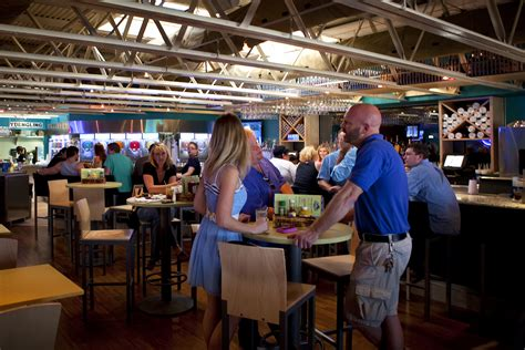 daiquiri deck opens on st armands