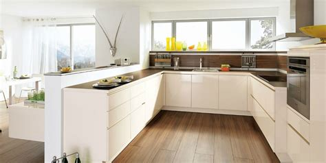cuisine blanche design cuisine design blanche sans poignée photo 13 20 avec