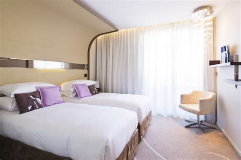 prix d une chambre au carlton cannes chambre carlton cannes with chambre carlton cannes carlton cannes bathroom with robes with