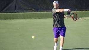 LSU men's tennis defeats Arkansas, 6-1