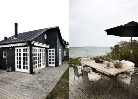 Lakeside Summer Home by Studio Joyz Summerhouse Vacay Redo