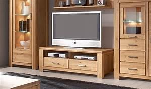 Meuble Tv En Chene : meuble tv en ch ne massif noueux 2 tiroirs et 2 niches ~ Teatrodelosmanantiales.com Idées de Décoration