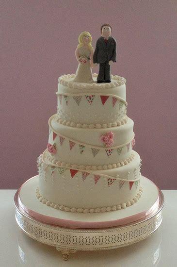 wedding bakery wedding cakes  hampshire