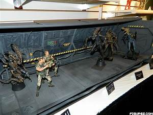 "NECA: TF13: NECA's ""ALIENS"" Action Figures"