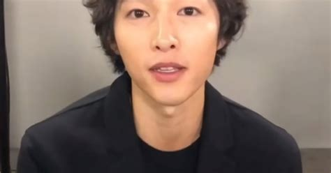 song joong ki sports  hairstyle  surprise public