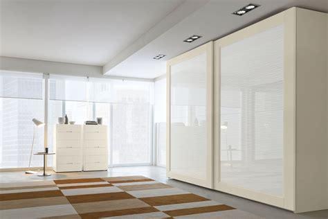 armadio in vetro armadio con ante scorrevoli in vetro ada napol arredamenti