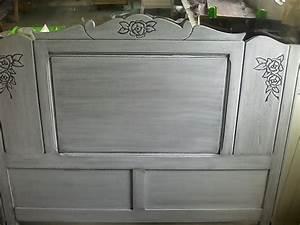 Peindre Un Meuble Ancien En Blanc : peindre un lit en bois meuble ancien peint en blanc une ~ Dailycaller-alerts.com Idées de Décoration