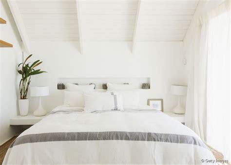deco chambre cosy idee deco chambre adulte cosy table de lit