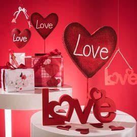Vitrine Saint Valentin : d coration saint valentin pour vitrine de commerces ~ Louise-bijoux.com Idées de Décoration