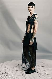Orange is the New Black's Ruby Rose flashes tummy and ...